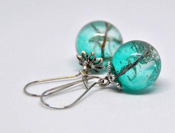 Orecchini in sfera di resina, vere piante, inclusione, in azzurro, gioielli della natura