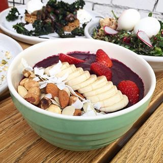 Acai bowl @mr_mister_cafe 🍓💥 With banana, berries, roasted coconut, nuts & seeds ❤️🎉 Mr Mister - Windsor #melbourne #breakfast #breakfastinmelbourne #mrmistercafe @mr_mister_cafe