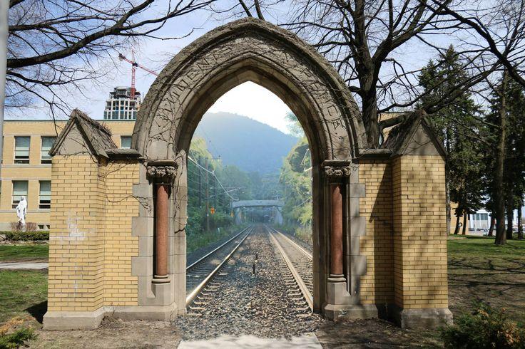 Dokodemo door between Toronto and Kyoto Japan.