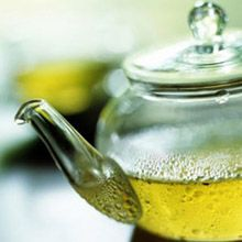 Candida Cleanse Tea  Step 1 Bring 1.5l water to the boil and add 2 cinnamon sticks, 1 tablespoon of aniseed and 6 cloves. Step 2 Simmer the mixture for 5 minutes and leave to infuse for a bit. Step 3 Make a flask of this candida cleanse tea and drink one cup every 3-4 hours.