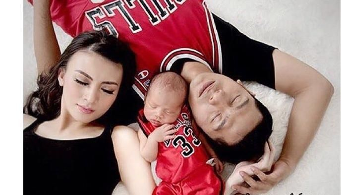 Meme Bayi Athariz dan Rendra - 2 Anak Pasangan Seleb Ini Sukses Buat Netizen Ngakak!