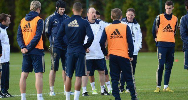 Rafa Benitez entrenando al equipo