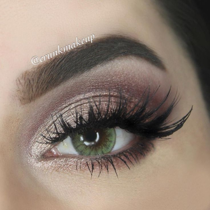 Crunkmakeup uses our LORAC UNZIPPED palette for a great eye look.