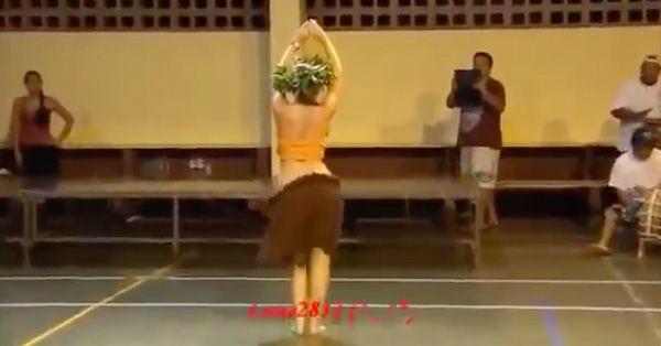 Завораживающий танец живота девушек Таити