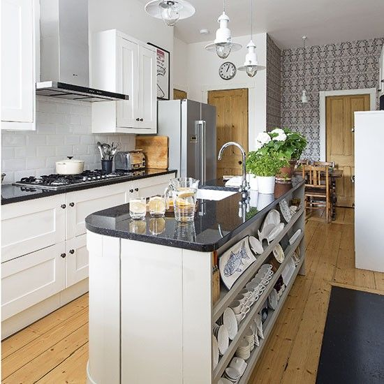 Traditional kitchen with island unit | Decorating