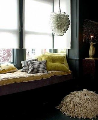 Reading Nook (idea for open room)Bays Windows, Windows Seats, Living Room, Interiors Design, Reading Nooks, Window Seats, Black Wall, Apartments Interiors, Dark Wall