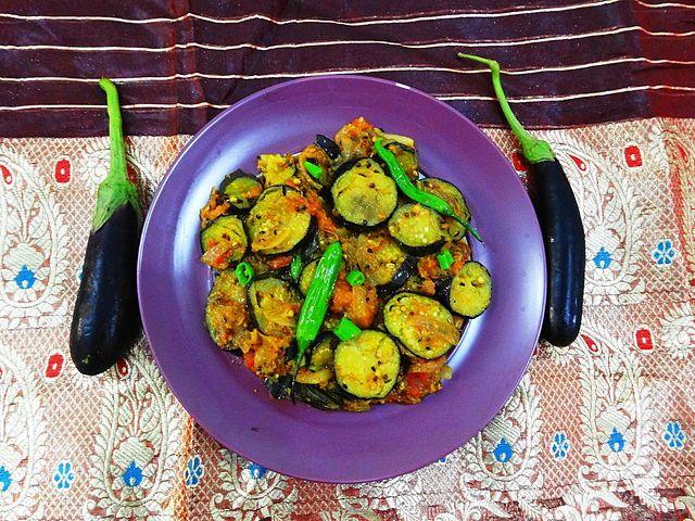 Cuisine of Karachi: Baingan Patiala  (Stir Fried Brinajl/Aubergine/Egg...