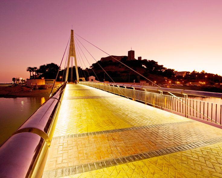 Puente - enlace al Castillo Sohail de Fuengirola