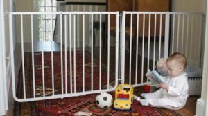 Cardinal Extendable Baby & Dog Gate