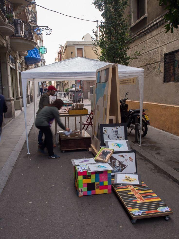 El pasado sábado creamos un panel decorativo de forma colaborativa con Marc Lapedriza Eslic y Eduard Doors de Grey in Colour . Hoy os presentamos todo el proceso creativo y el resultado de una obra que deseamos que os guste tanto como nos a nosotros. #design #art #deco #gracia #barcelona #comerçalcarrer