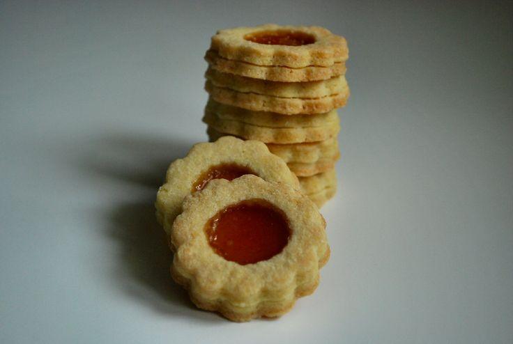 Frollini alla marmellata o occhi di bue, ricetta per biscotti semplici