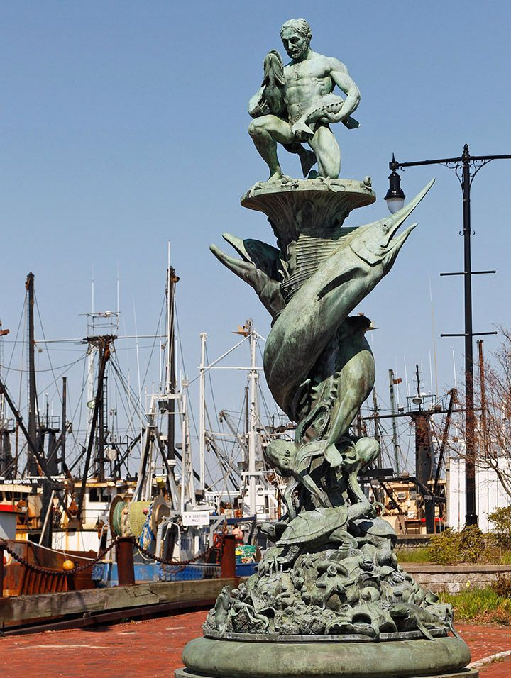 new-bedford-marine-statue
