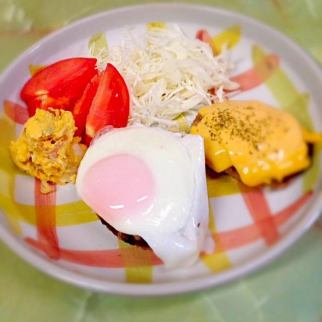 いつもの、お肉少なめ、豆腐パン粉のかさましハンバーグ - 9件のもぐもぐ - 夜ご飯 by kikuri