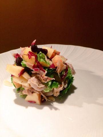 La cuoca in viola: Insalata di pollo con mele e frutta secca