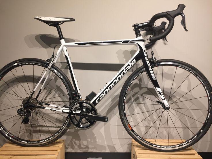 Vélos Cannondale,en solde pour liquidation! Passez à notre magasin de vélo à Boisbriand pour voir tous les rabais.