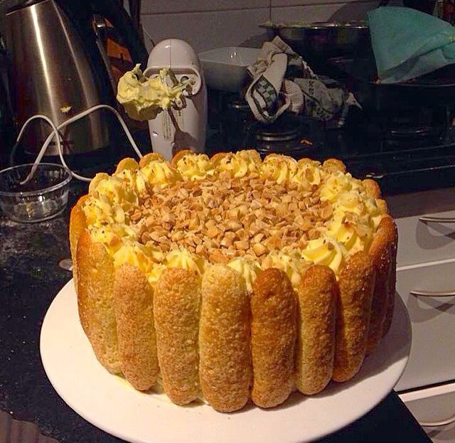 Pompadour cake