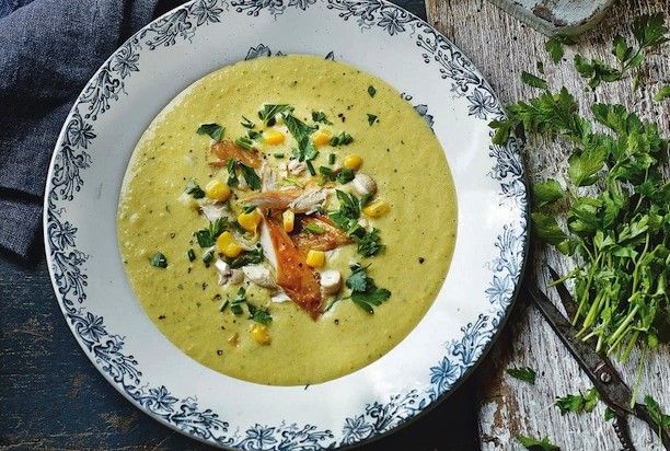 Кукурузный суп с копченой рыбой