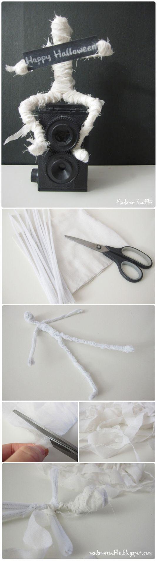 How to #DIY #Halloween #Mini #Mummy #Craft