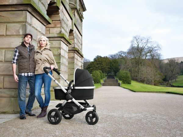 iCandy Peach Jogger with carrycot in Blackberry