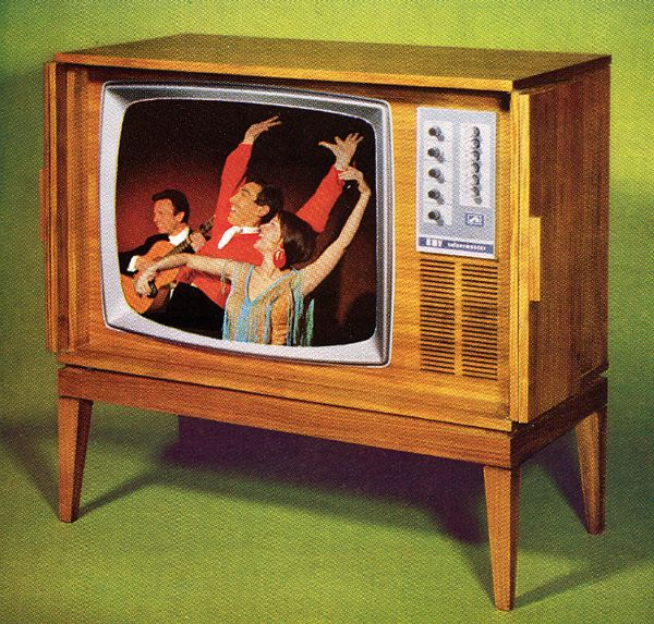1967 HMV 2700 - Worlds first fully transistorised colour television. Dual standard UK system 405/625  Utilising the BRC 2000 series chassis