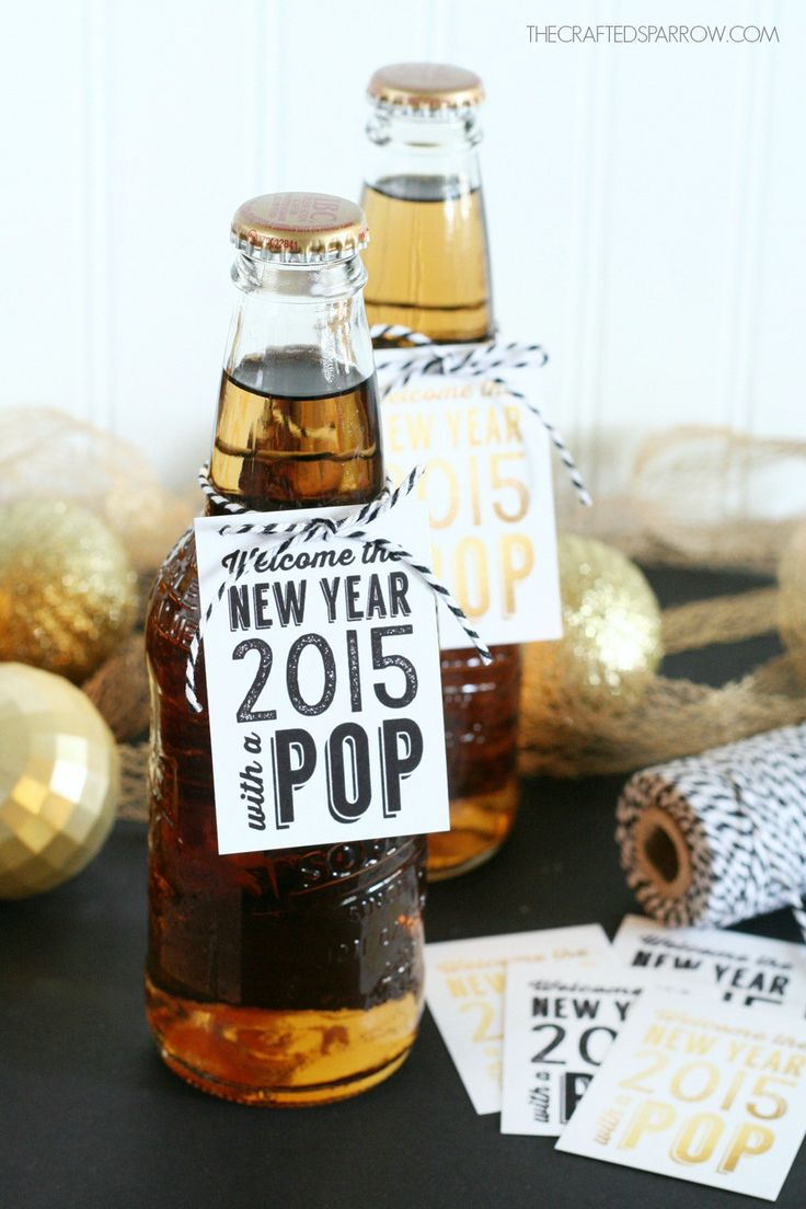New Years Free Printable Tags - News year's gift that requires only: Bakers twine or ribbon,Tape if wrapping the label around bottles, free printable and Glass bottled soda or sparkling cider. Read more at http://tatertotsandjello.com/2014/12/happy-holidays-new-years-free-printable-tags.html#IyM00u40vb3gzUgt.99