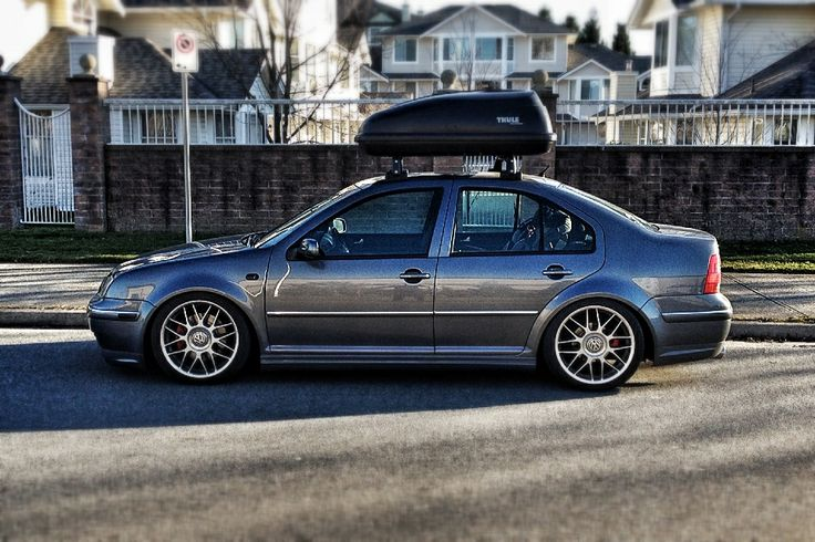 Perfect Stance. Volkswagen Jetta GLI Mk4. Lowered on JOM Blueline Coilovers. Thule Excursion Carrier.