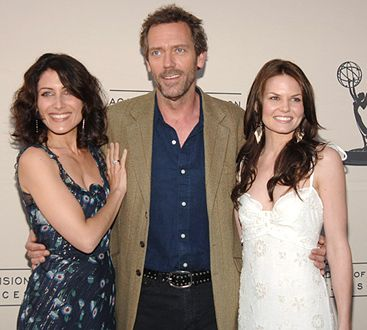 Hugh Lawrie and friends: Girls, Hugh Lawri, Famous Friends, Lisa Edelstein Hugh Lauri, House Md, House M D, Jennifer Morrison, Эделстайн Lisa