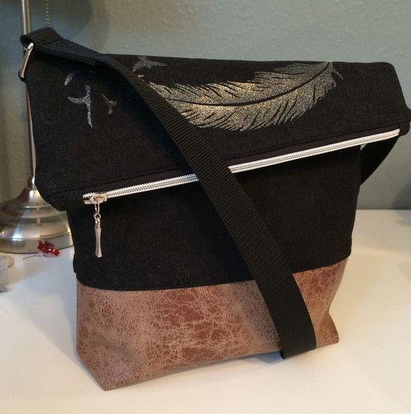 FoldOver+Tasche,+Schultertasche,+Jeans,+Feder+von+Kleine+Wollbude+auf+DaWanda.com