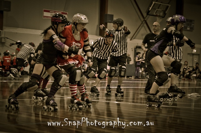 South Sea Rollerderby - Brawlesque!
