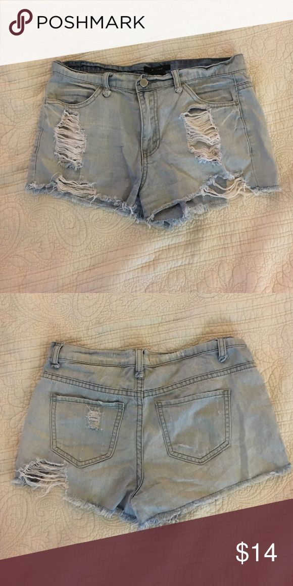 Ripped jean shorts Light blue jean shorts with rips Forever 21 Shorts Jean Shorts