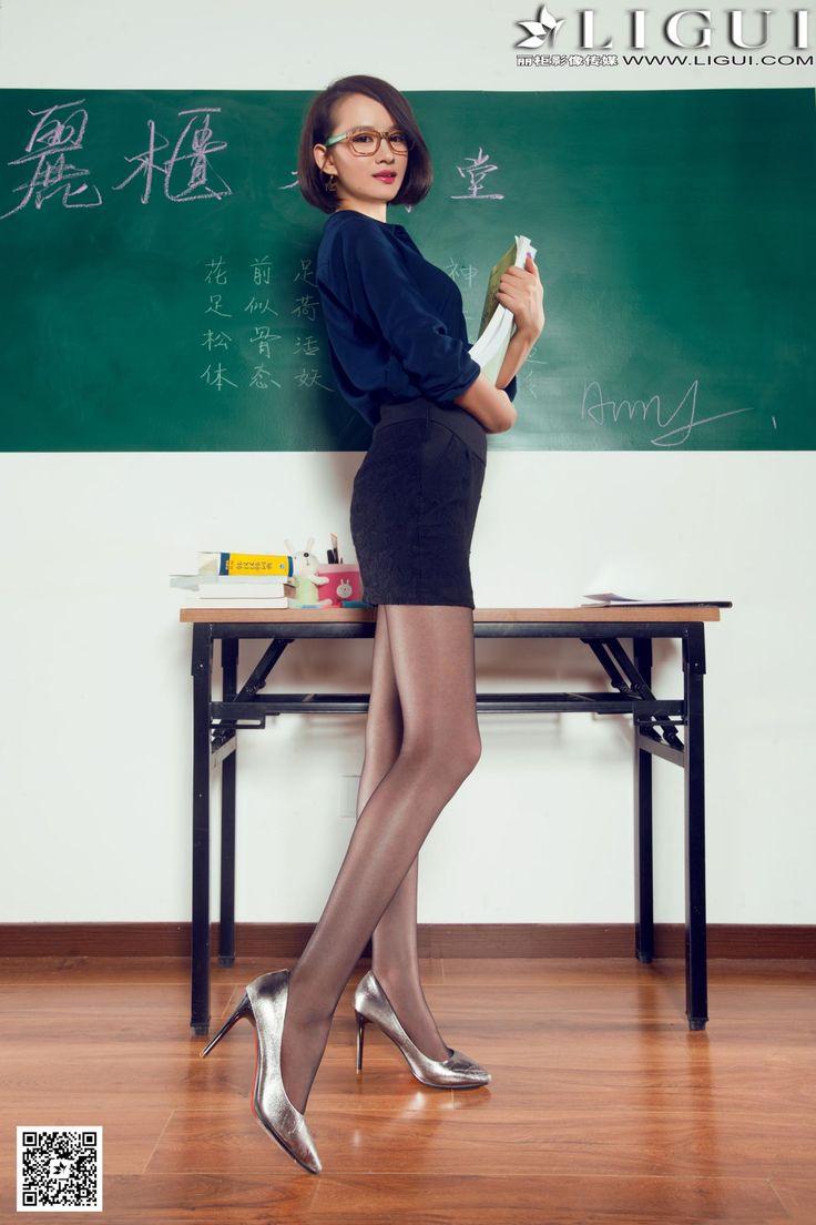 [Ligui丽柜] AMY - 教室里的黑丝女教师_第4页/第4张图