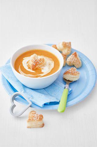 Mrkvová polévka se sezamovými srdíčky