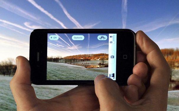 8 Aplikasi Panorama Terbaik iPhone 8 Aplikasi Panorama Terbaik iPhone.Jika Anda termasuk Orang ang Hobi melakukan pemotretan.pada saat momen-momen tertentu Anda,Misalnya pada saat Anda tngah melakukan perjalanan seperti Adventure,Menikmati suasan pantai,dan Camping.Maka Aplikasi-Aplikasi ini tepat untuk Anda.Pada saat kita melakukan pemotretan dengan menggunakan smartphone yang anda miliki yaitu iPhone.memang terasa sangat menyenangkan karena selain simple,Anda