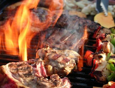 Napoli: Ricca grigliata di carne x2 con servizio e coperto incluso presso il #ristorante Dalla Padella alla Brace a 22€!