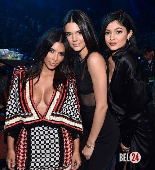 Сестры Кардашьян-Дженнер вошли в рейтинг самых стильных звезд в интернете…