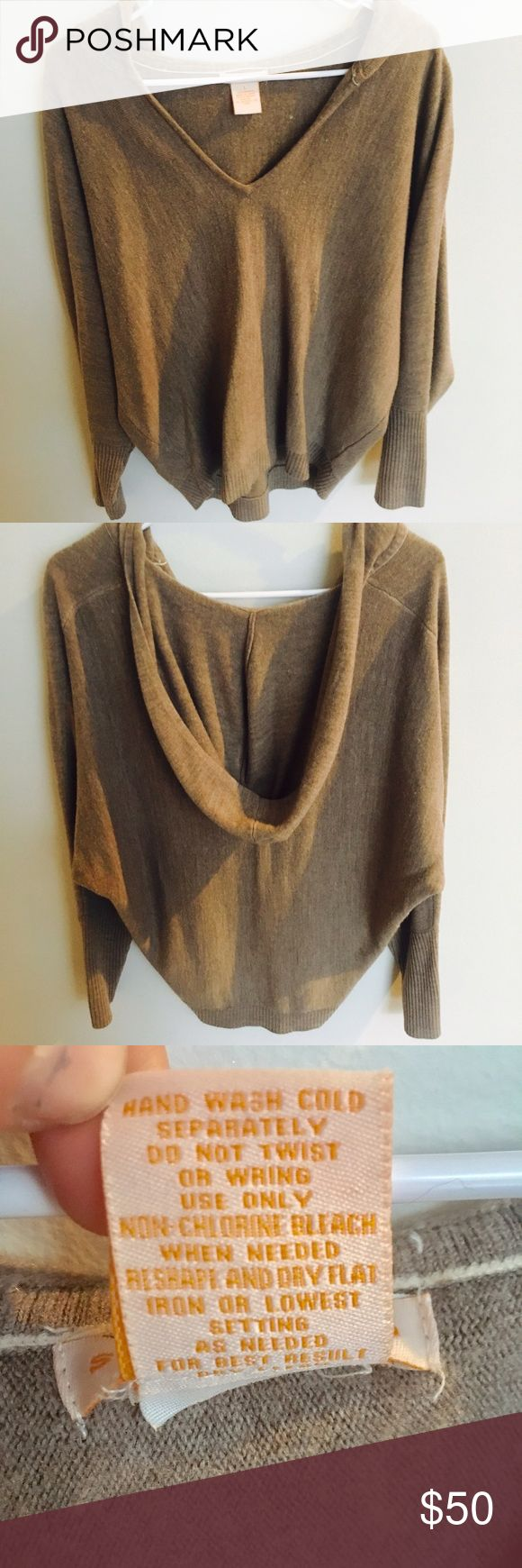 Women's cashmere sweater with hood Women's Large cashmere sweater with hood. In excellent condition, worn only a few times. Sweet Romeo Sweaters Crew & Scoop Necks