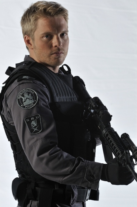 "David Paetkau as Sam Braddock, the sometimes impetuous and always passionate war veteran in Team One in ""Flashpoint."""