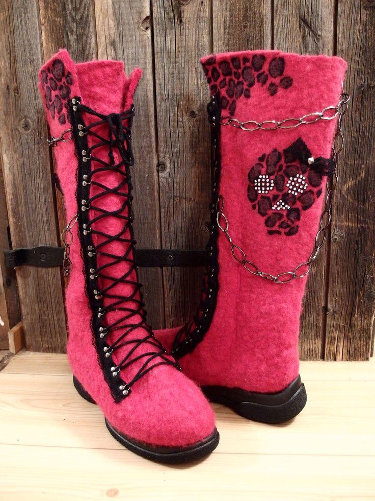 Felt boots can rock too !!! Handmade winterboots.