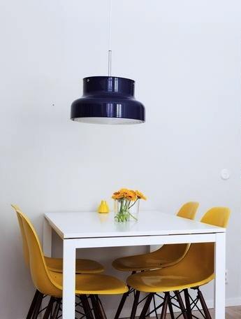 Via Mamamekko   Yellow Eames Dsr   Dinnertable   Black and White