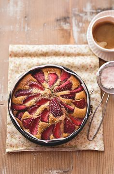 Torta integrale con le fragole allo sciroppo d' acero - senza zucchero - senza lattosio | PANEDOLCEALCIOCCOLATO