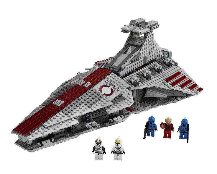 Amazon.com: LEGO Star Wars Venator-class Republic Attack Cruiser (8039): Toys & Games