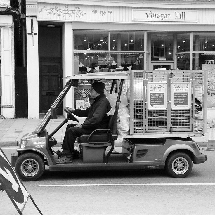 Recycle (I think) #hitchin #town #townlife #streetphotography #street #blackandwhite #vehicle #recycle #refuse #waste #greenvehicle #electrictruck #electricvehicle #iphone #phonography #iphonography by lithium121