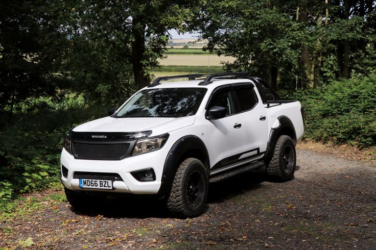 Nissan Navara 2.3 NP 300 Seeker Tungsten Edition Brand new delivery miles only Pick Up Diesel White