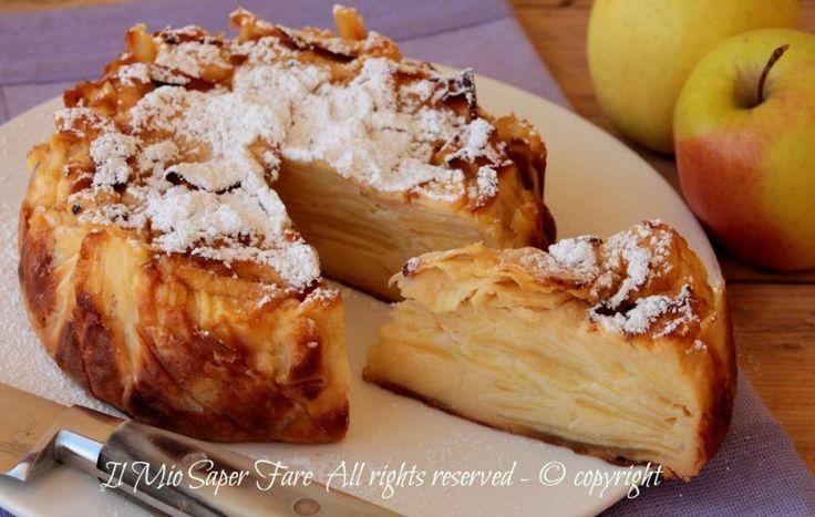 Torta invisibile con mele ricetta facile e golosa.Questa torta invisibile è imperdibile. Tante fettine di mele avvolte da pastella e il tutto cotto in forno