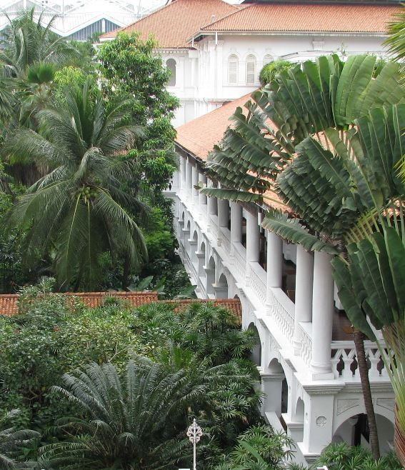 The Raffles Hotel is one of the world's classiest and most luxurious hotels, and has long become one of the best-known landmarks in #Singapore. Also Japanese HQ's in WW2