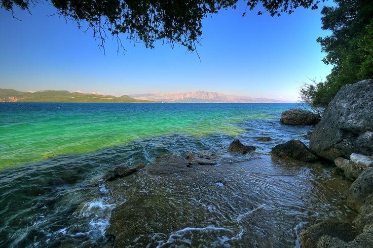View from the sea beneath Adriatica Hotel Nikiana ayjayarr1 Τα καλύτερα deals για ένα ξεχωριστό ταξίδι στην αρχή του φθινοπώρου... #checkin #trivago