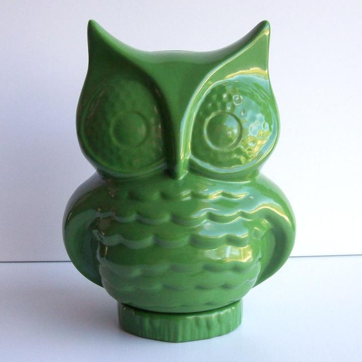 Owl Vintage Design Grass Green.