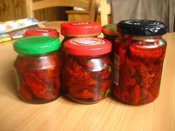 Fotorecept: Sušené paradajky v olivovom oleji - Recept pre každého kuchára, množstvo receptov pre pečenie a varenie. Recepty pre chutný život. Slovenské jedlá a medzinárodná kuchyňa