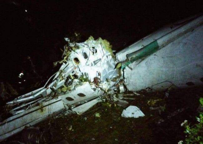 V Kolumbii spadlo lietadlo s futbalistami Brazílie, prežilo šesť osôb - Zahraničie - TERAZ.sk