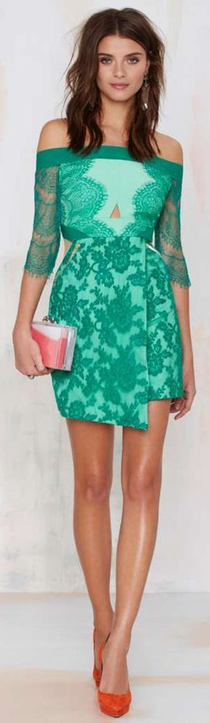 Awesome Green Lace Dress. I would love my body forever if I could pull this dress off.